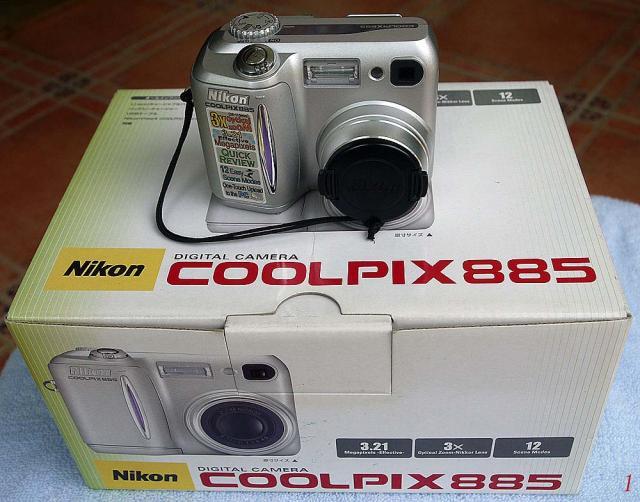 已售出。 謝謝各位!Nikon CoolPix 885  一代名機 oldpeter(1/26 11:55) 二手 電話 相機 遊戲機