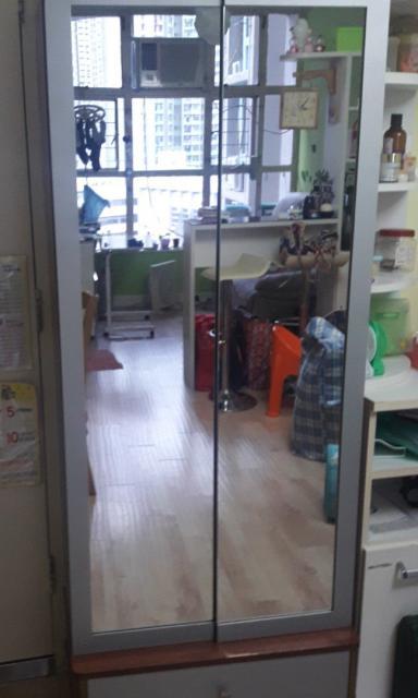 鏡面鞋櫃$300 bonglam(8/13 13:42) 二手 電器 TV  冷熱洗雪燈爐 送贈