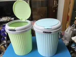 全新垃圾桶$20二個 eliuyk(2/21 23:26) 二手 傢俬 送贈