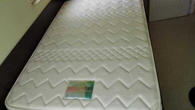 [SOLD]雅蘭床褥 6x4, 8寸厚。 少用,絕對新靜, 免費送。 monococo(5/3 15:38) 二手 傢俬 送贈
